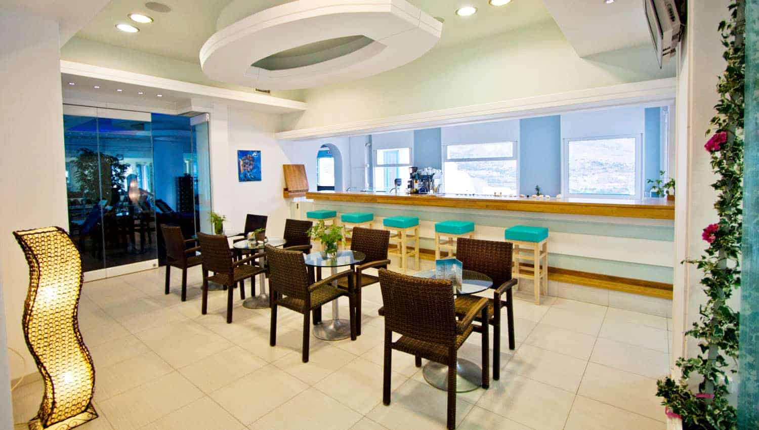 Fresh Bar_Aegialis Hotel & Spa_indoors