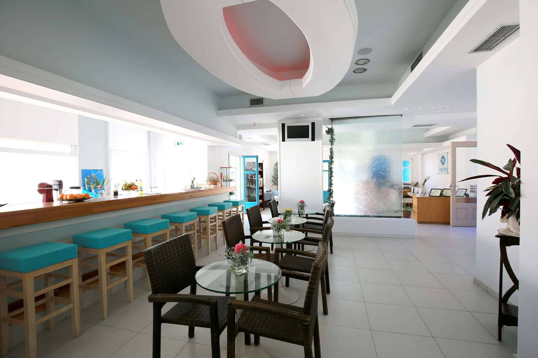 Fresh Bar_Aegialis Hotel & Spa_inside (2)