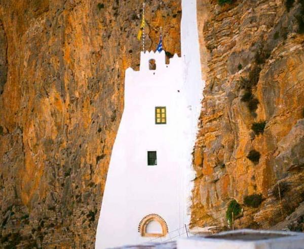 μοναστήρι της χοζοβιώτισσας_αμοργος